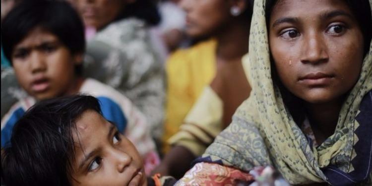 نزح الآلاف من الروهينجا المسلمين