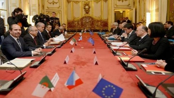 جانب من اللقاءات المشتركة السابقة بين فرنسا والجزائر