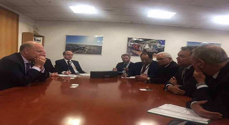 اجتمع وزير النقل المصري مع نظيره البريطاني كريس جريلينج