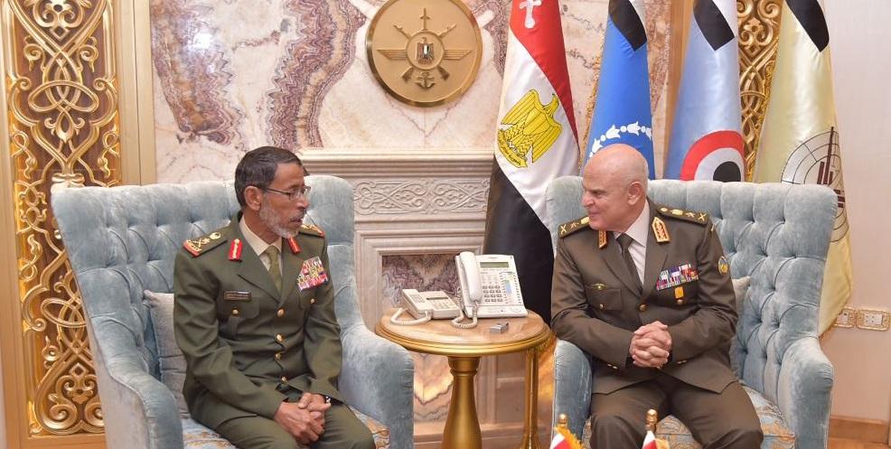 رئيس الأركان الإماراتي يلتقي نظيره المصري