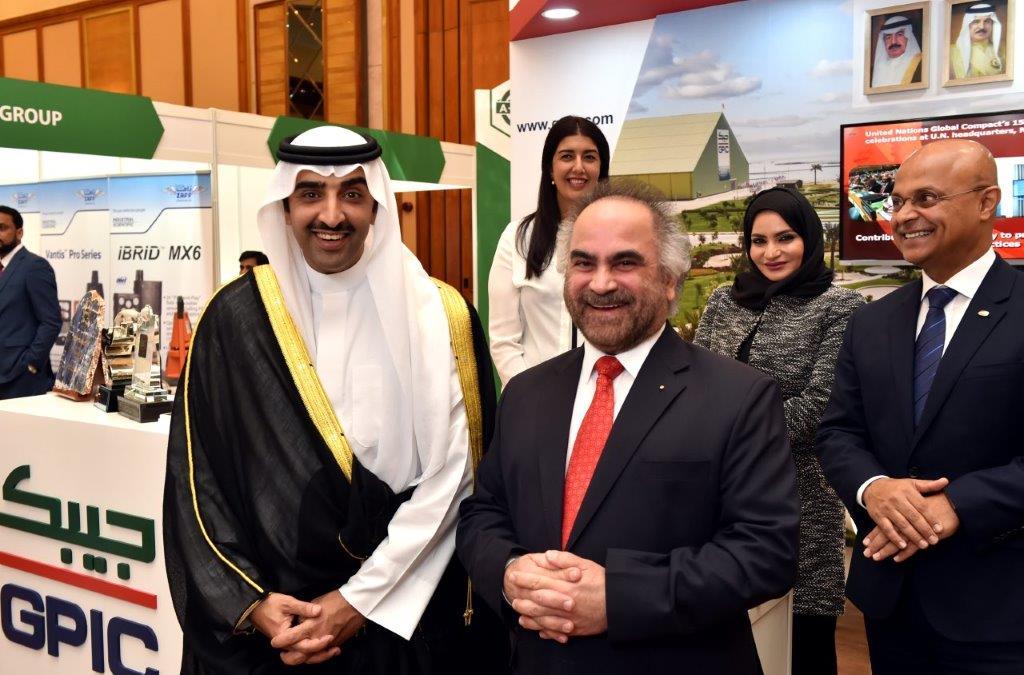 الشيخ محمد بن خليفة مع الدكتور جواهري