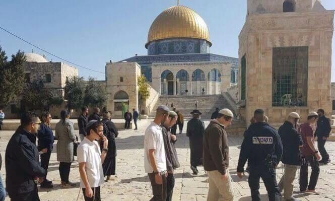 طلاب ومستوطنون يهود يقتحمون الأقصى (صورة أرشيفية)