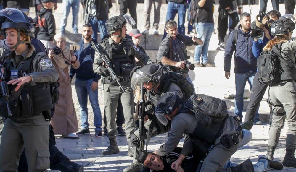 قمع قوات الاحتلال الوحشي لـ