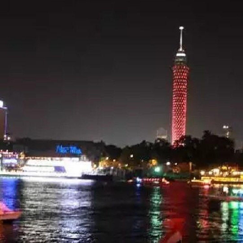 برج القاهرة يتزين بعلم مملكة البحرين