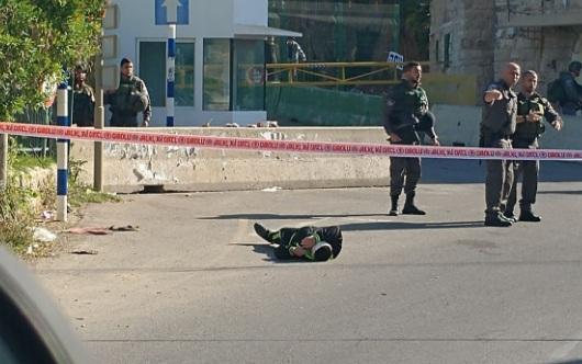 لحظة إطلاق الاحتلال النار على شاب فلسطيني