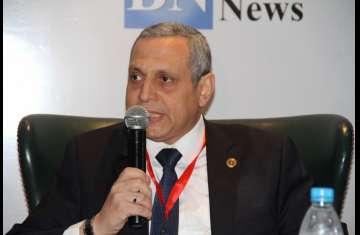 مجدى عبدالعزيز رئيس مصلحة الجمارك المصرية
