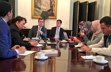 السفير البريطاني بالقاهرة جون كاسن يبحقث فرص استثمار جديدة في مصر