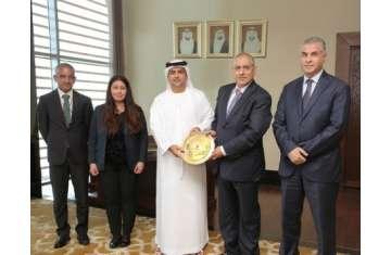 وفد القضاء الأردني  في زيارته لدائرة القضاء بأبو ظبي