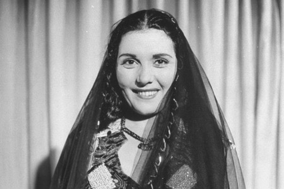 20 عام على رحيل تحية كاريوكا التي أبكت الشعراوي قبل وفاتها