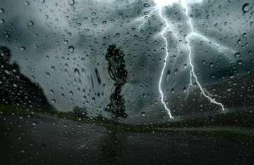 حالة الطقس أمطار رعدية