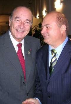 د. جمال المجايدة مع الرئيس الفرنسي الراحل جاك شيراك