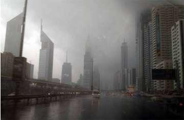 الأمطار في الإمارات