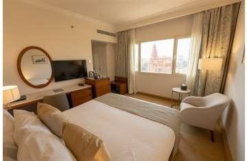 غرفة بفندق البارون