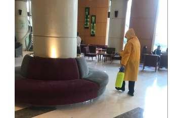 تعقيم أحد الفنادق
