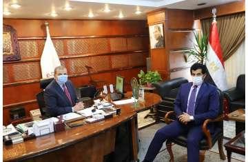 السفير القطري والوزير المصري