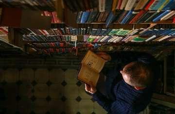 مصر تهدي جنوب إفريقيا 72 عملا روائيا للأديب نجيب محفوظ